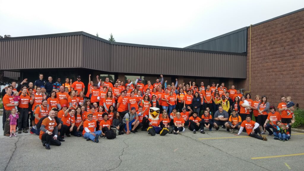Zehrs Employees Pose at The Food Bank
